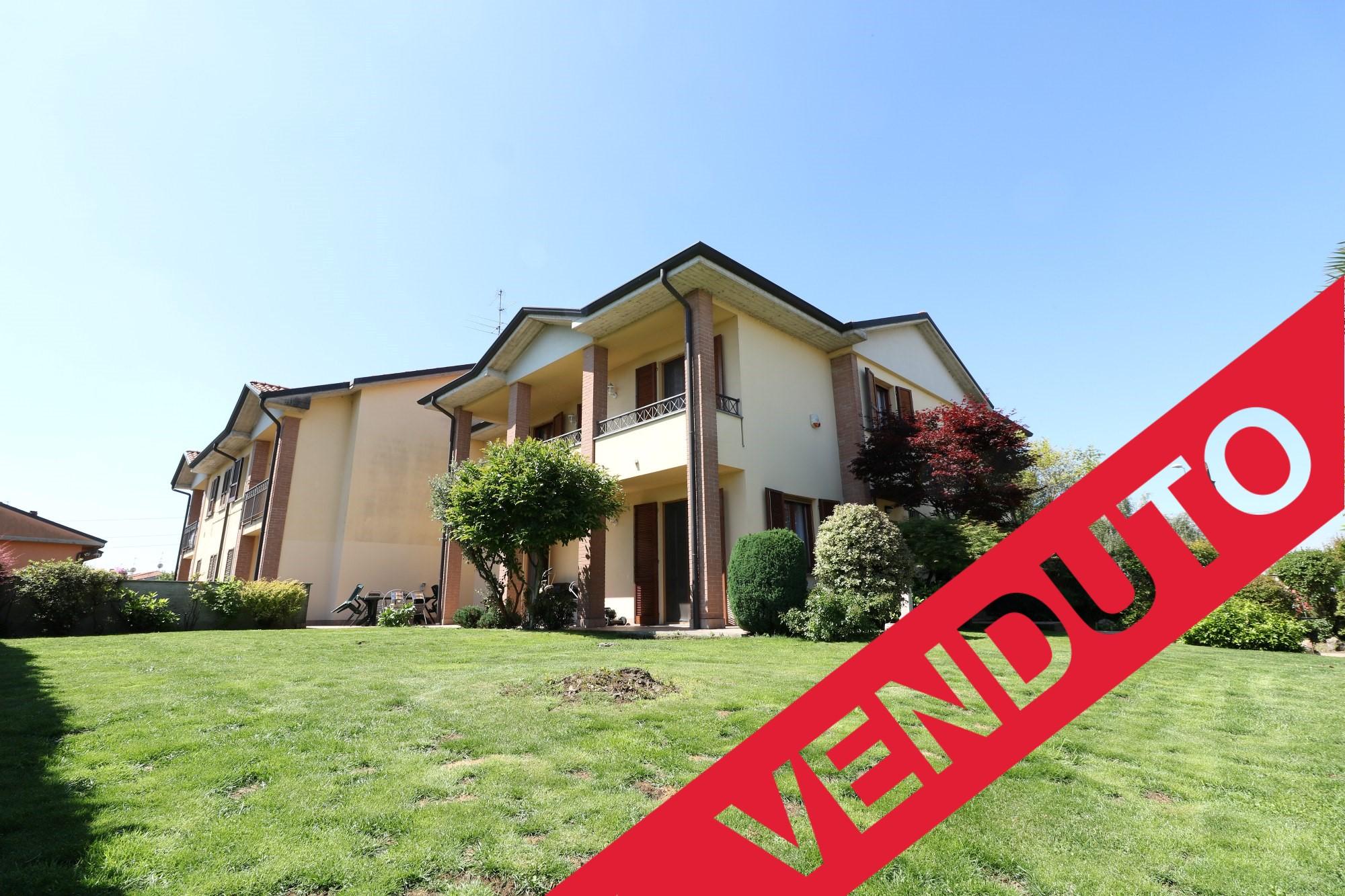Villa Bifamiliare – Madone