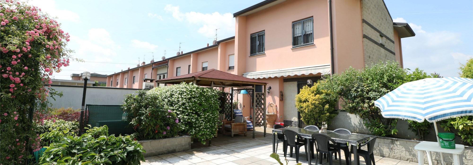 Villa a Schiera – Madone