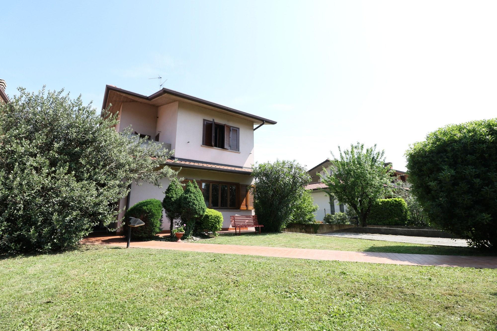 Villa Bifamiliare – Presezzo